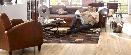 Laminátové podlahy se středním tónem