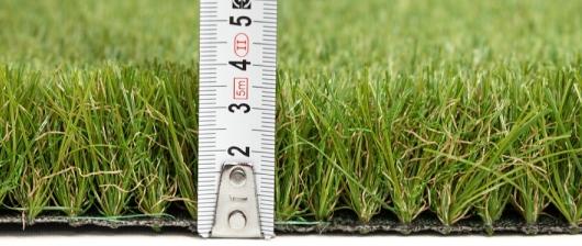 Umělé trávníky s výškou nad 30 mm
