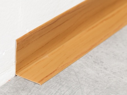 Soklová lišta PVC Arbiton Rapid Třešeň