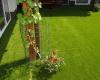 Jak se postarat o umělý trávník?